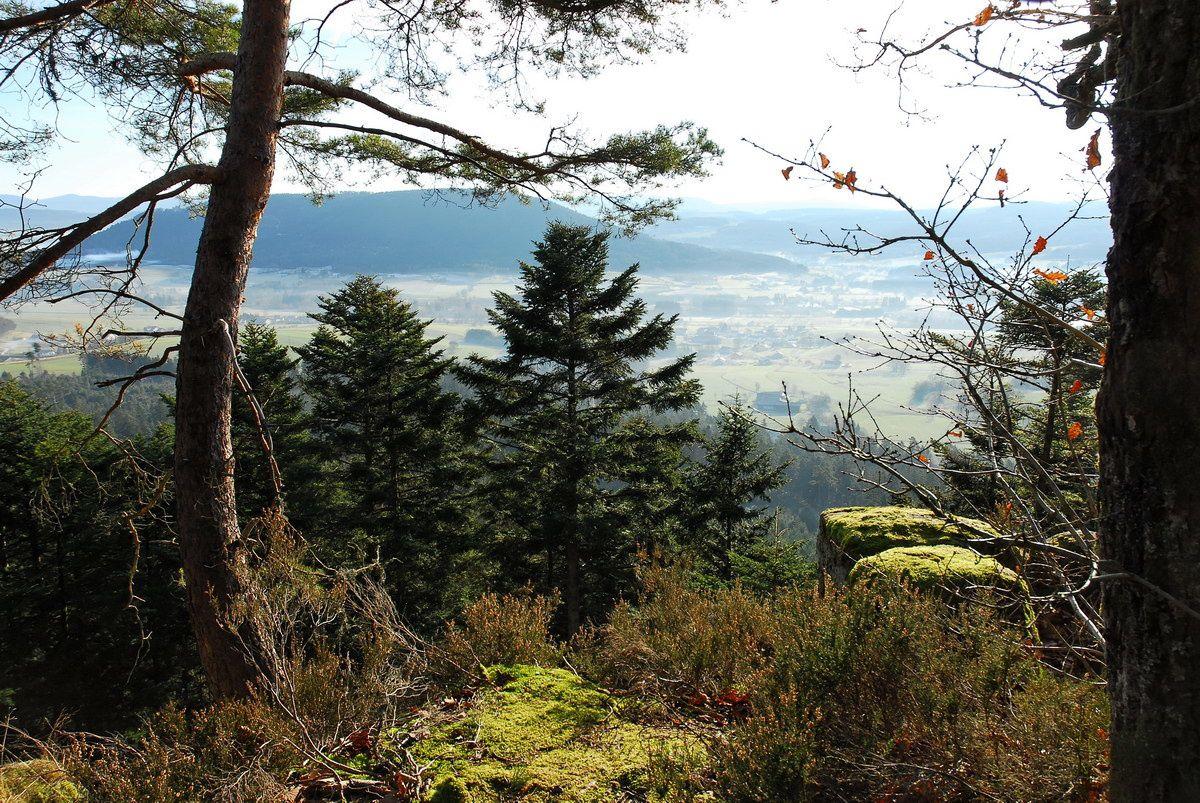 Photographies sur Bruyères et Laveline-devant-Bruyères depuis le massif du Borémont. les Roches de la clochette, le col de l'Arnelle.