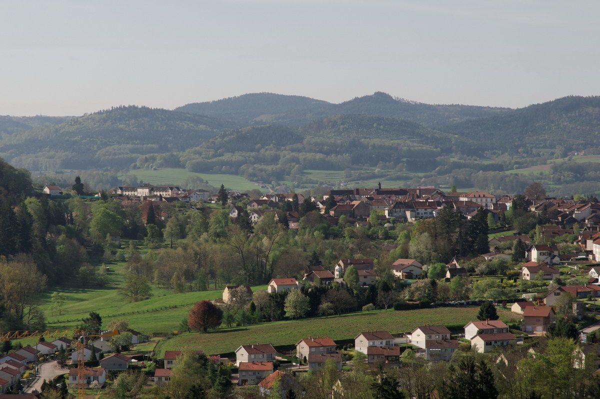 Photographies prises au cours de la montée à la Roche de Fouchon et depuis la Roche de Fouchon point de vue sur Bruyères.