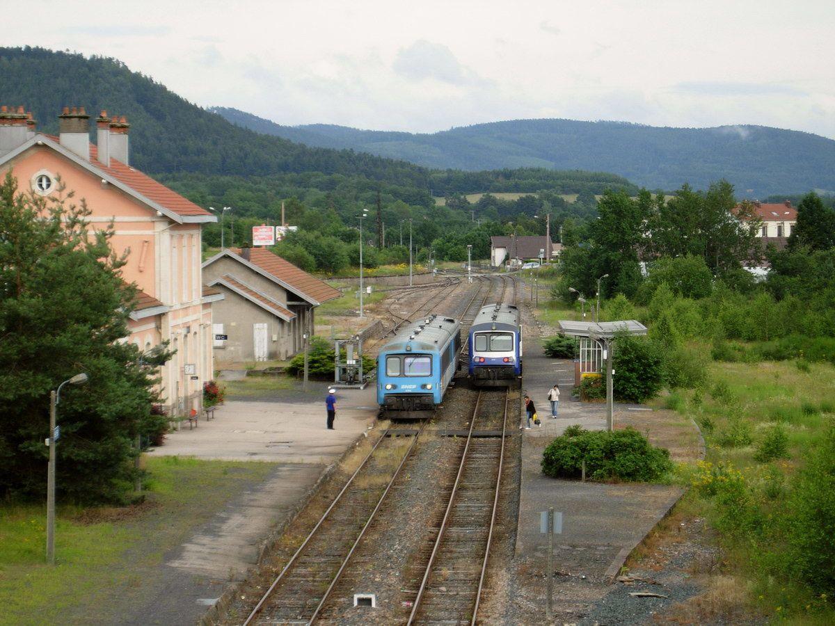 Photographies de la Gare de Bruyères, de ses installations de signalisation, des voies, des passages à niveaux et ouvrages d'art.