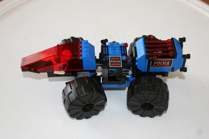 Space-Police-1 6047r