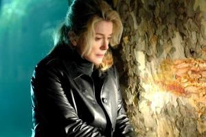 Catherine-Deneuve---Apr--s-lui.jpg