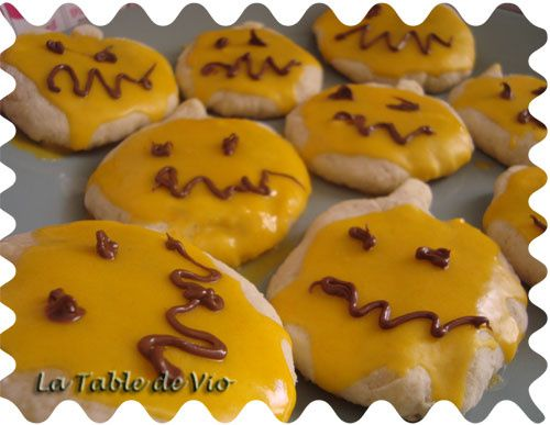 biscuits-halloween.jpg