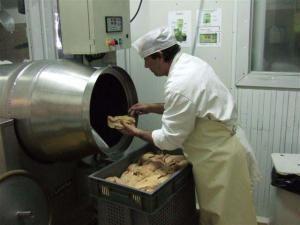 Foie gras dans la baratte pour un asaisonnement régulier