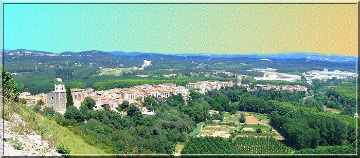 La vue sur le bourg et la vallée est un vrai bonheur !