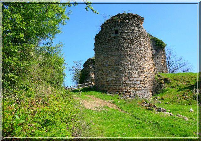 Voyez vous des archères sur la tour ?