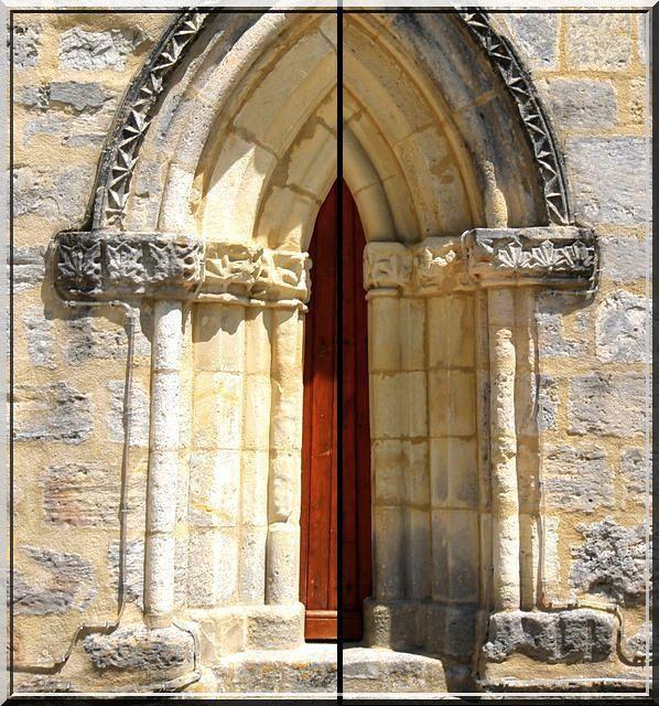 Un portail Gothique sur une église Romane