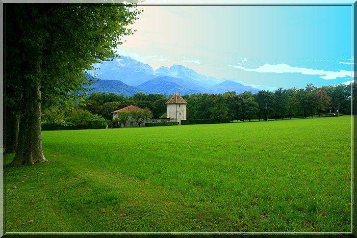 La vue sur le massif de Belledonne ajoute au plaisir de la visite