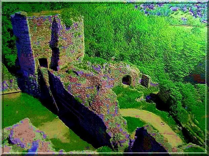 Les années ont eu peu de prises sur cette puissante tour bastionnée pour artillerie.