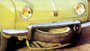 Astucieux ce compartiment pour accueillir la roue de secours, libérant de la place dans le coffre avant, juste au dessus