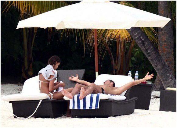 Cristiano Ronaldo Shirtless at the beach (5)