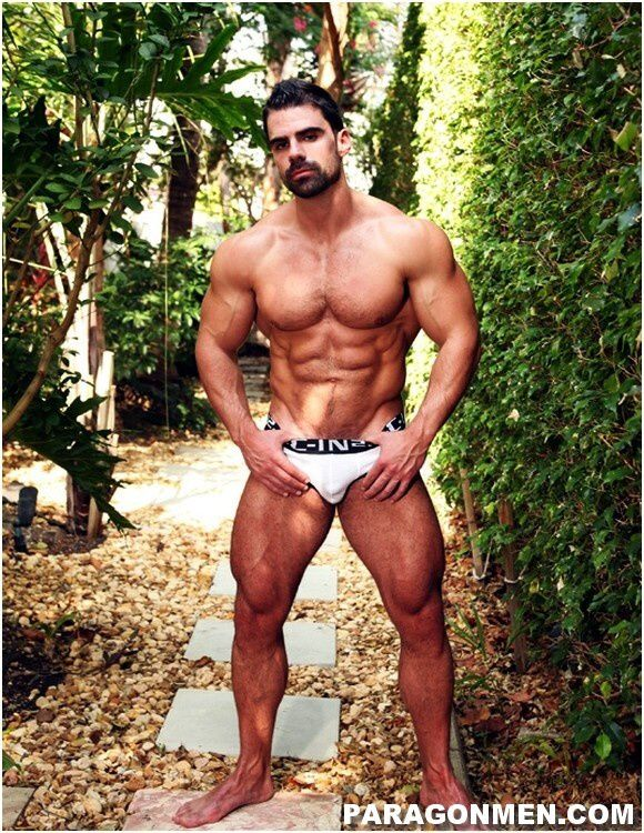 Joaco-Caneco-Big-Muscle-Guy (2)