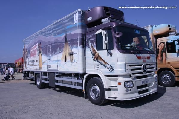 album mercedes 37 photos camions passion tuning. Black Bedroom Furniture Sets. Home Design Ideas