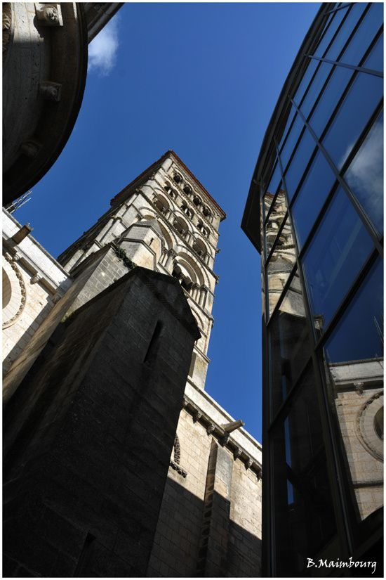 angouleme-cathedrale-St-Pierre-musee-Charente-architecture