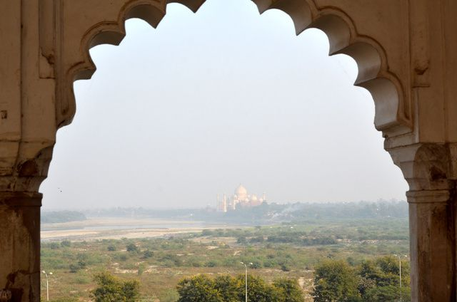 1729_agra-fort-rouge.jpg