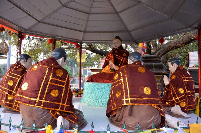 1970_Sarnat-1er-sermon-bouddha.jpg