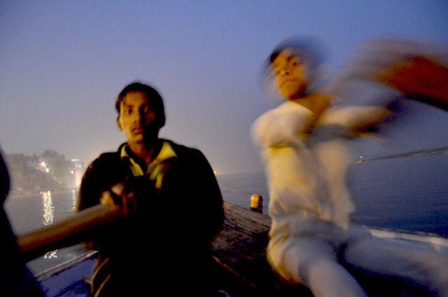 2014_Varanasi-ghats-soir.jpg