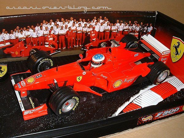1-18 Ferrari F300 Schumacher Hot Wheels 1