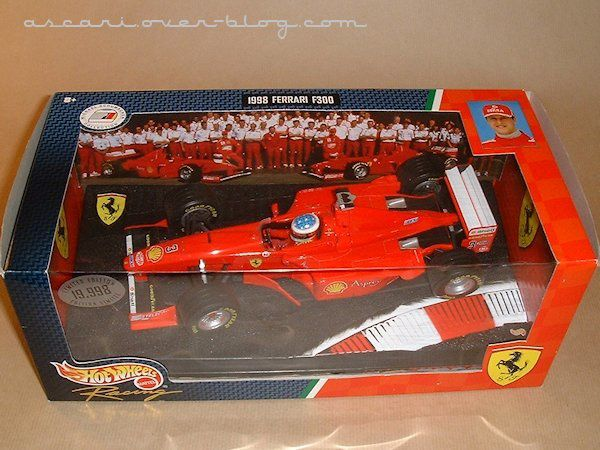 1-18 Ferrari F300 Schumacher Hot Wheels