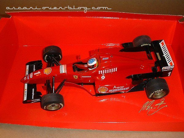 1-18 Ferrari F310 Schumacher Minichamps1