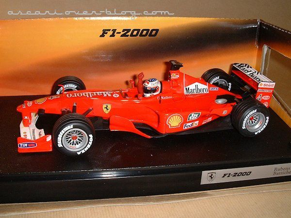 1-18 Ferrari F1-2000 Barrichello 1ere victoire Hot Wheels 1