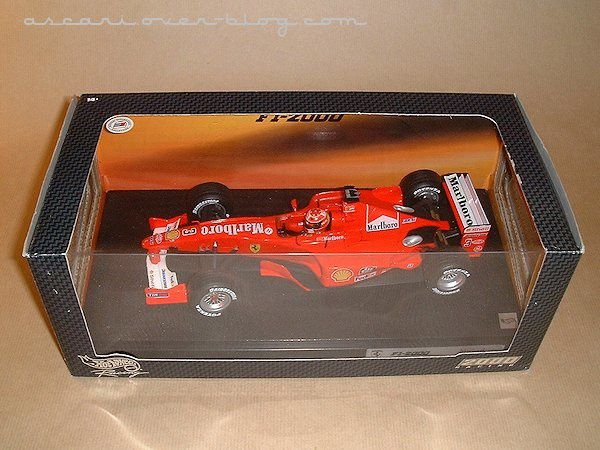 1-18 Ferrari F1-2000 Marlboro Schumacher Hot Wheels 1