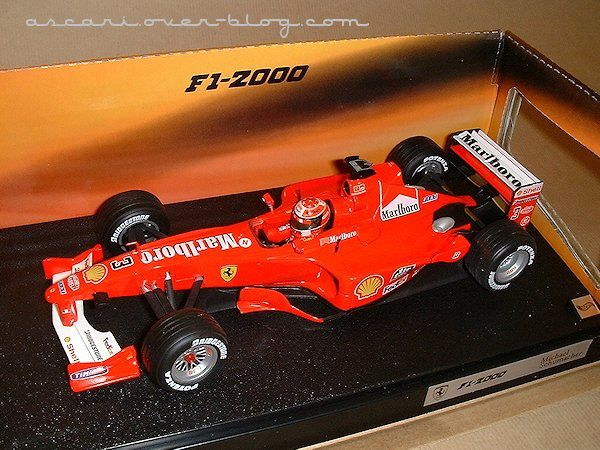 1-18 Ferrari F1-2000 Marlboro Schumacher Hot Wheels