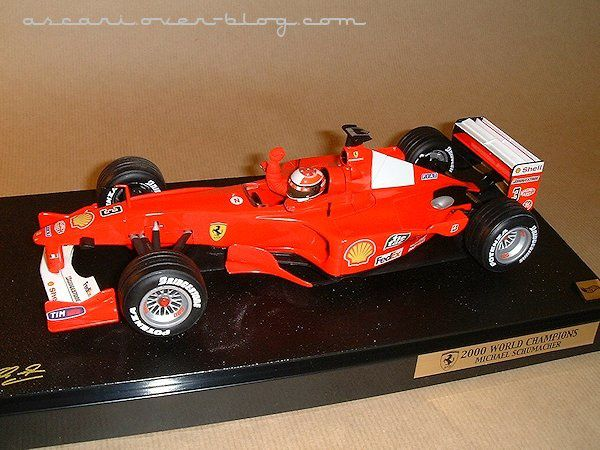 1-18 Ferrari F1-2000 N°1 Schumacher World Champio-copie-2
