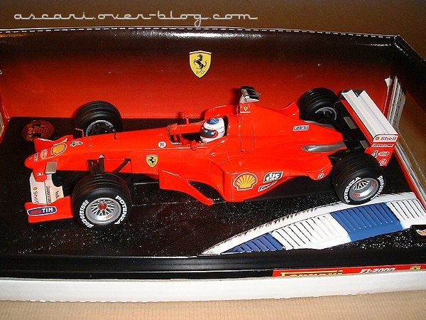 1-18 Ferrari F1-2000 presentation Barrichello Hot Wheels1