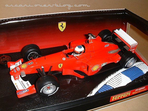 1-18 Ferrari F1-2000 presentation Schumacher Hot Wheels 1