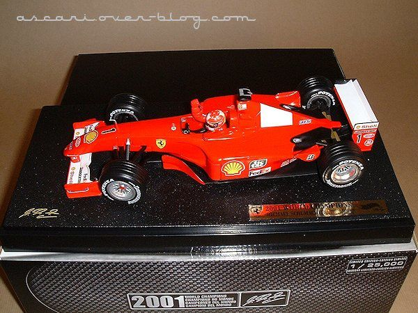 1-18 Ferrari F2001 Schumacher champion du monde Hot Wheels