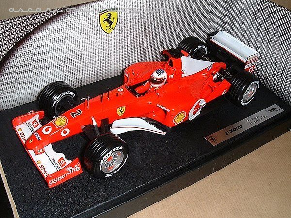 1-18 Ferrari F2002 Barrichello Hot Wheels 01