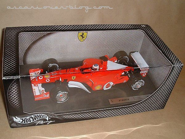 1-18 Ferrari F2002 Barrichello Hot Wheels