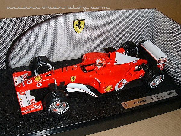 1-18 Ferrari F2002 Schumacher Hot Wheels 1