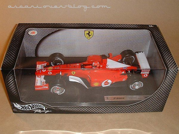 1-18 Ferrari F2002 Schumacher Hot Wheels
