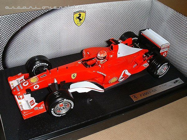 1-18 Ferrari F2003 GA Schumacher 1ere version Hot Wheels 1