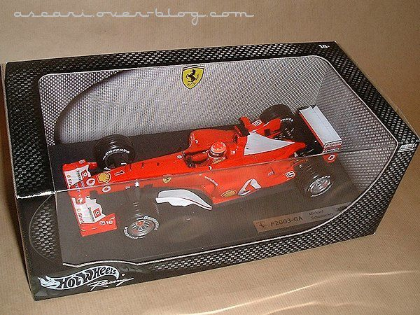 1-18 Ferrari F2003 GA Schumacher 1ere version Hot Wheels