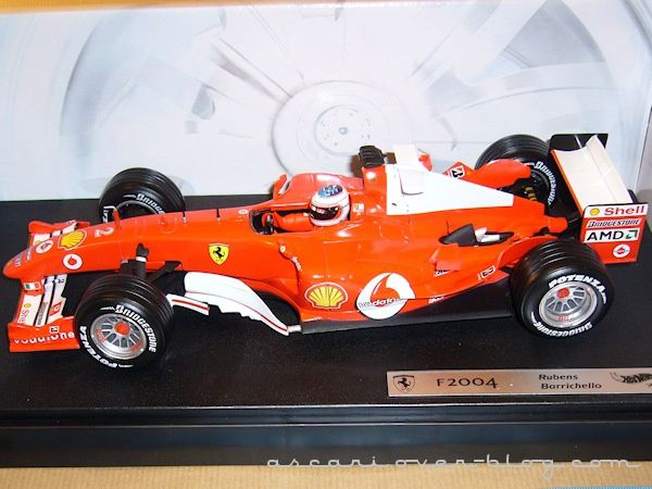 1-18 Ferrari F2004 Barrichello Hot Wheels 2