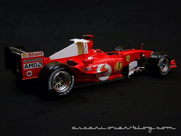 1-18 Ferrari F2004 Schum Carrer records Hot Weels 10