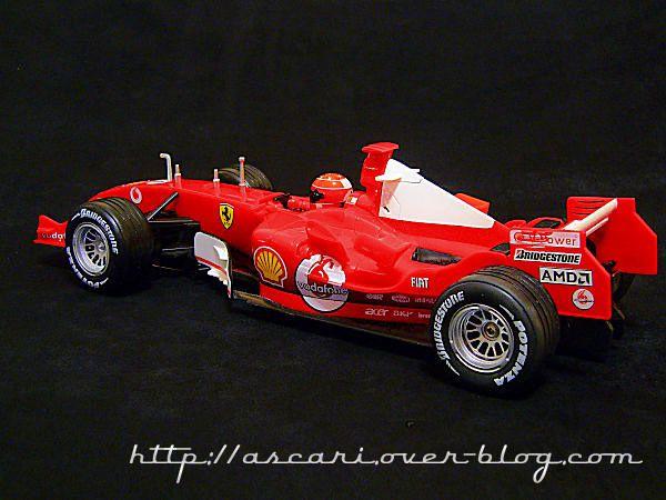 1-18 Ferrari F2004M Schumacher 2005 NewRay 02