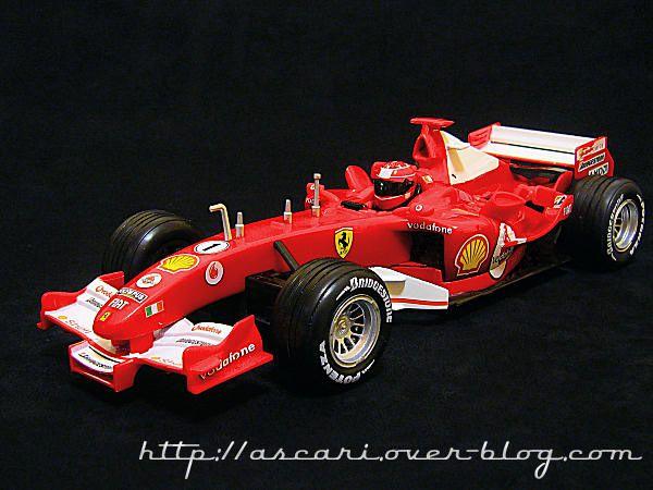 1-18 Ferrari F2004M Schumacher 2005 NewRay 03