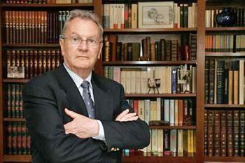 Yves-Bonnet--ancien-patron-de-la-DST-francaise.jpg