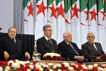 Abdelaziz-Bouteflika--Ahmed-Ben-Bella--Chadli-Bendjedid-et-.jpg