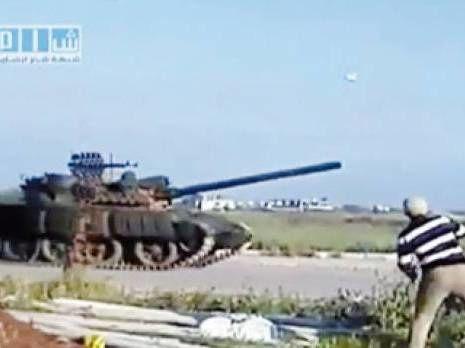 Syrie chars contre les manifestants