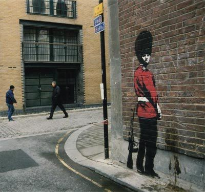 banksy-Guard-pochoir.jpg