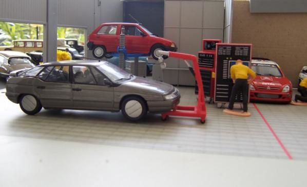 Le blog city 43 - Garage miniature citroen ...