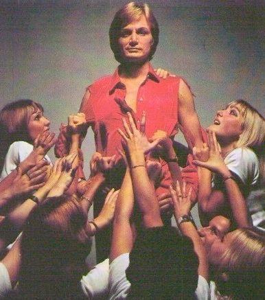 Claude Francois et ses danseuses les claudettes