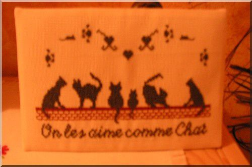 Voici vos jolis ouvrages ... chats chats chats &#x3B;-)