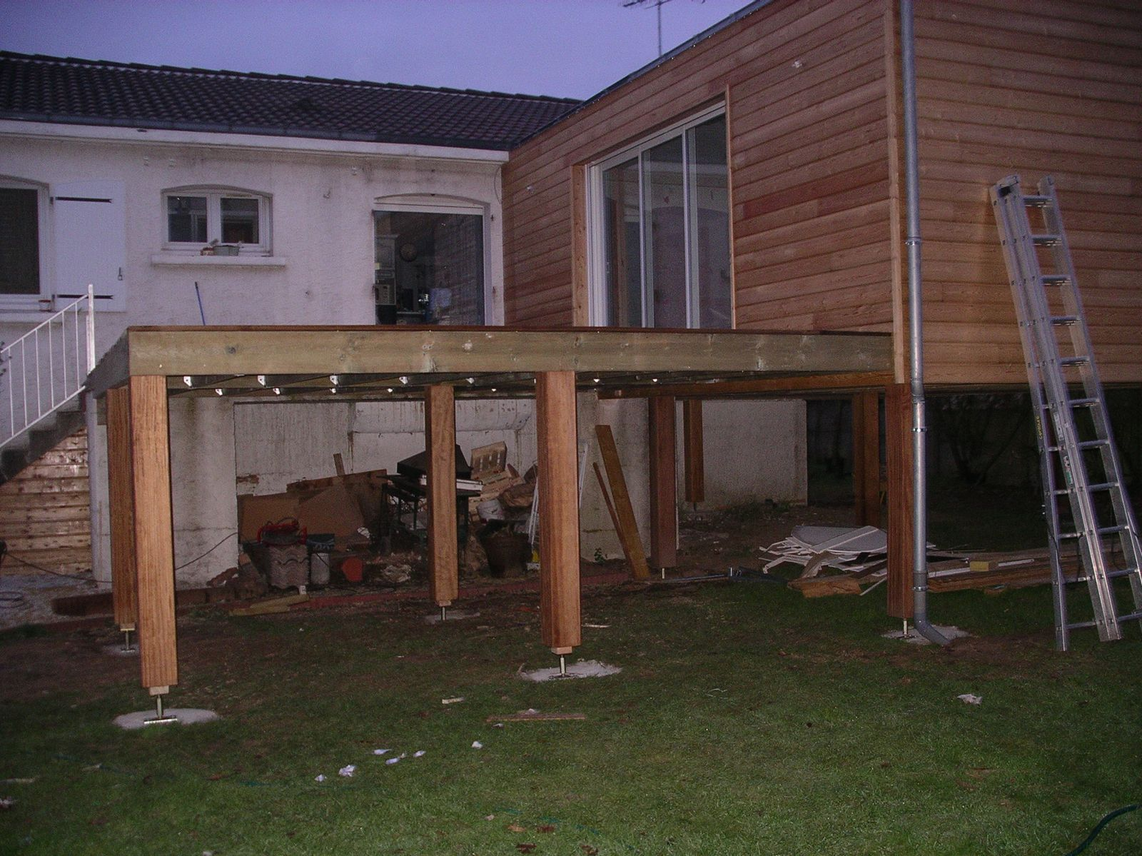 Exemple Du0027Extension En Ossature Bois Sur Pilotis En Iroko Idees