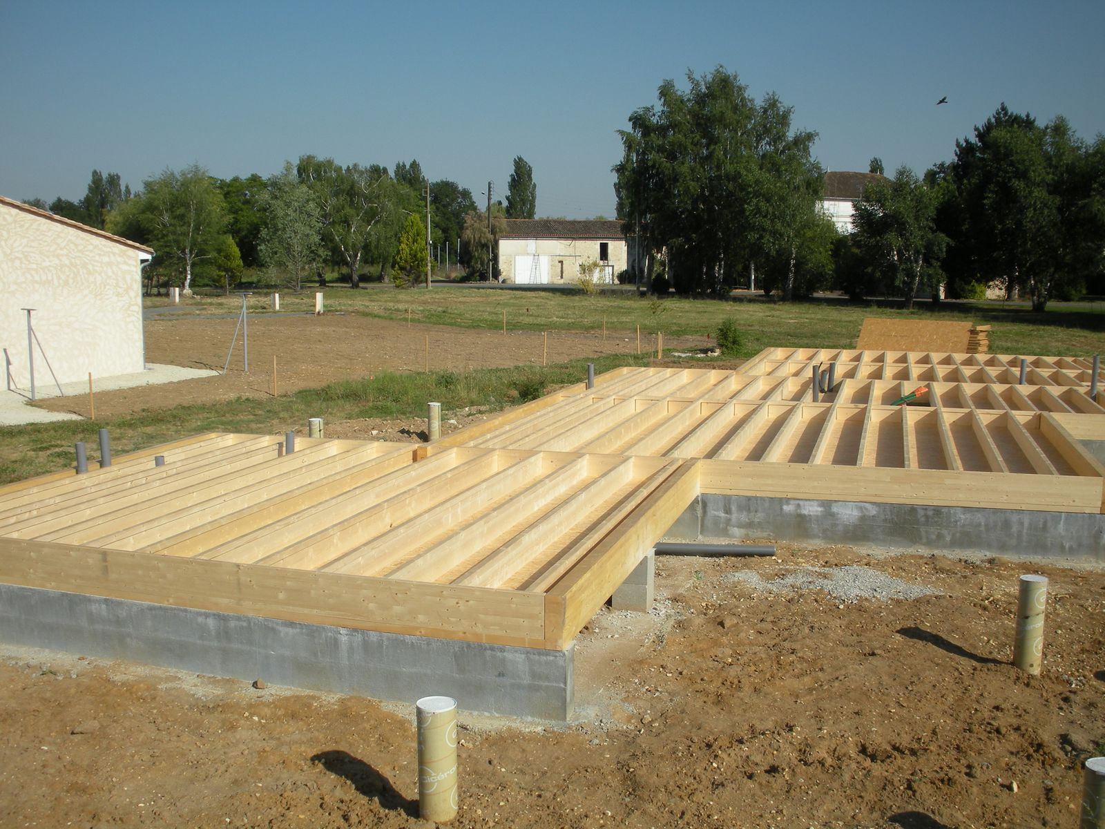Deck framing pourquoi pas une dalle en bois autoportante for Construction en bois ou beton