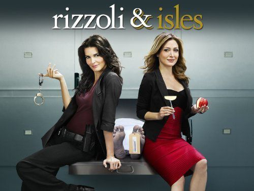 Rizzoli-and-Isles-Season-2-Episode-1---We-Don-27t-Need-Anot.jpg